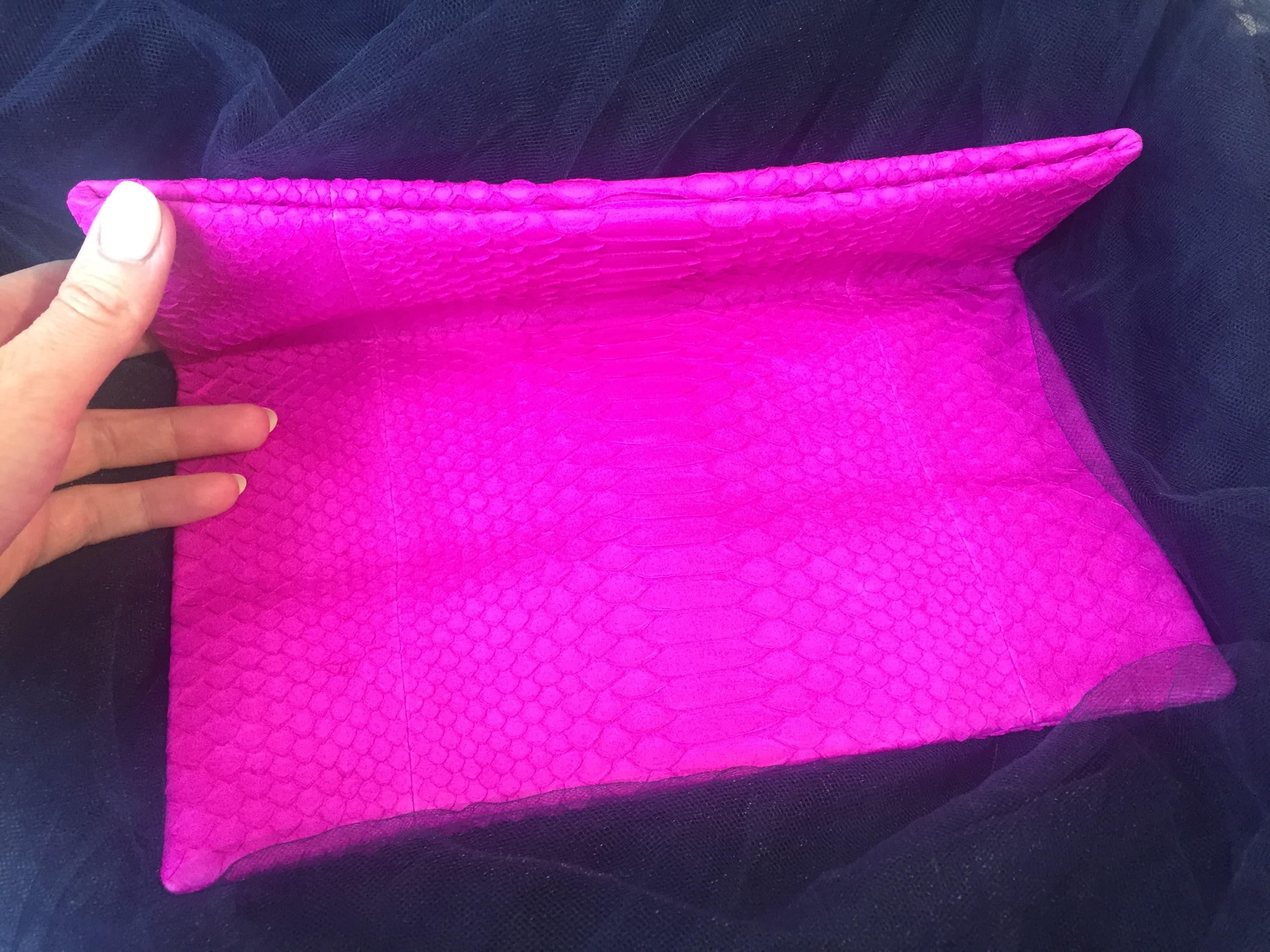 Купить клатч из кожи питона (розовый) с доставкой по Москве и всей ... 8fedf6c9e29
